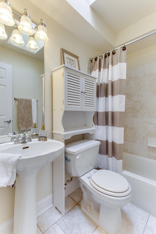 5522 9th St NW Unit 1-print-052-37-Bathroom-2800x4200-300dpi.jpg