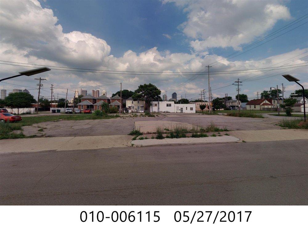 Lot w building in rear.jpg