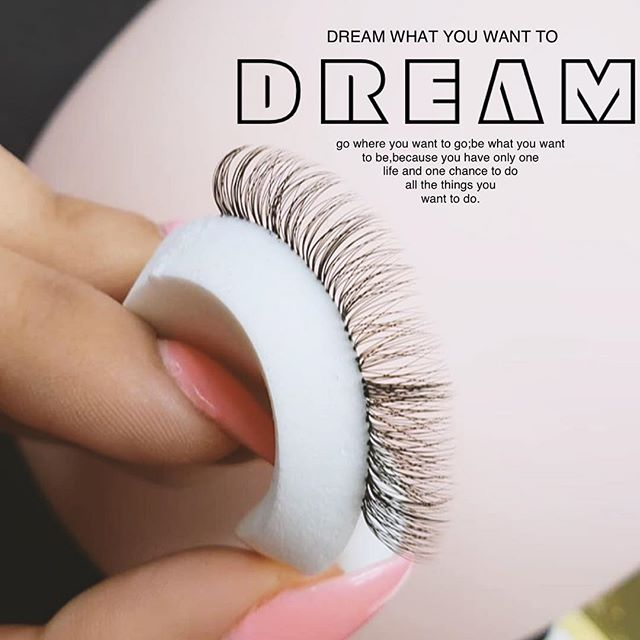 DREAM what you want to dream! We're so proud our stylist always pursuing to further their lash education like our Dolce Doll @atx.eyecandy 🌈🌈is with @honeybee_lash_co in Utah🐝 Slay those fans Saima!