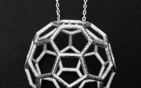 FullereneNecklaceRendering_0.jpg