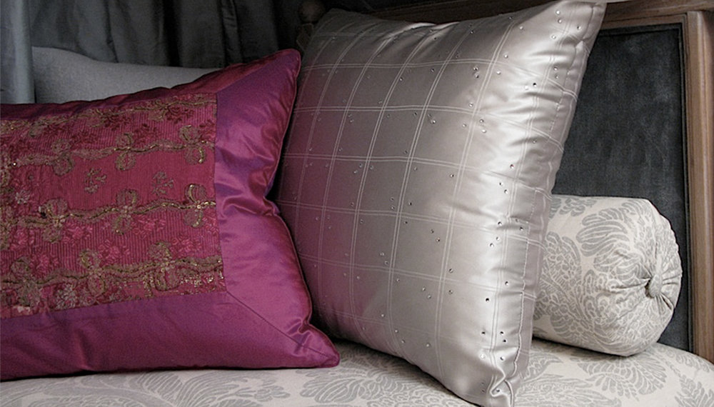 PILLOWS -