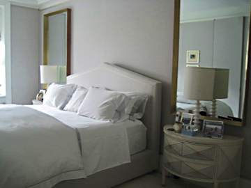 Light-Tan-Room-Bed-2-Mirrors.jpg