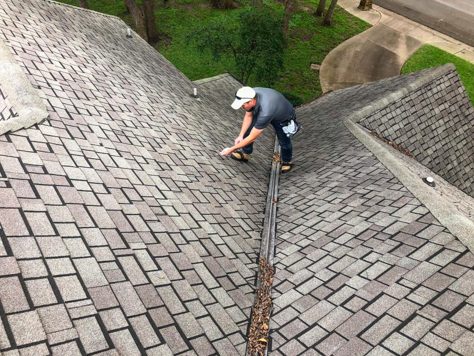Trained Roof Specialists - With years of experience in roofing, our team will be able to spot, diagnose and solve your problem quickly and effectively.