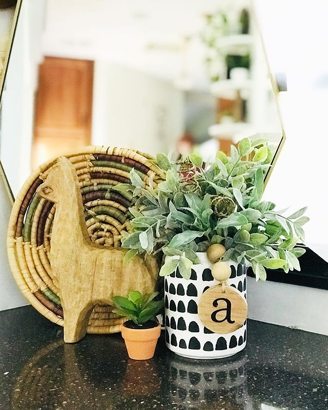 """Update on my stories 👆🏼of the ever-changing, home hunting life of the Auerbach's. Trying to stay in the """"go-with-the-flow"""" mood and it's making me a little more fearless each day to ask for what a want, dream bigger dreams and take more risks. Yes, we may be homeless if we sell the RV and don't have a house yet but the plus side is packing will only take me a couple hours ✨#happyhunting"""