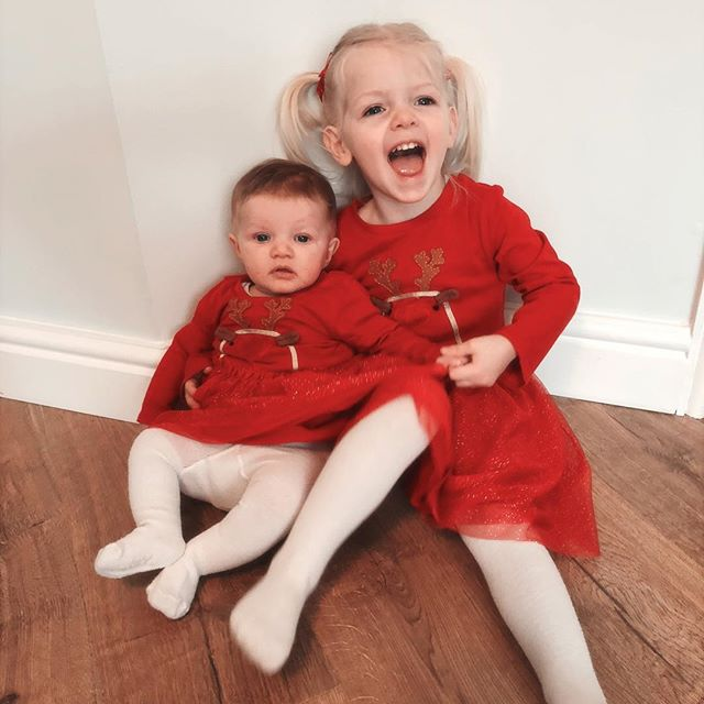 Bring on the Christmas parties! Matching everything while they're still young enough to love it ❤️👯‍♀️ I couldn't resist these matching reindeer dresses from @nextofficial - one of the only stores that does matching clothes for 3months up to 6 years 🙌🏻 #sisters #christmas #toddlerfashion
