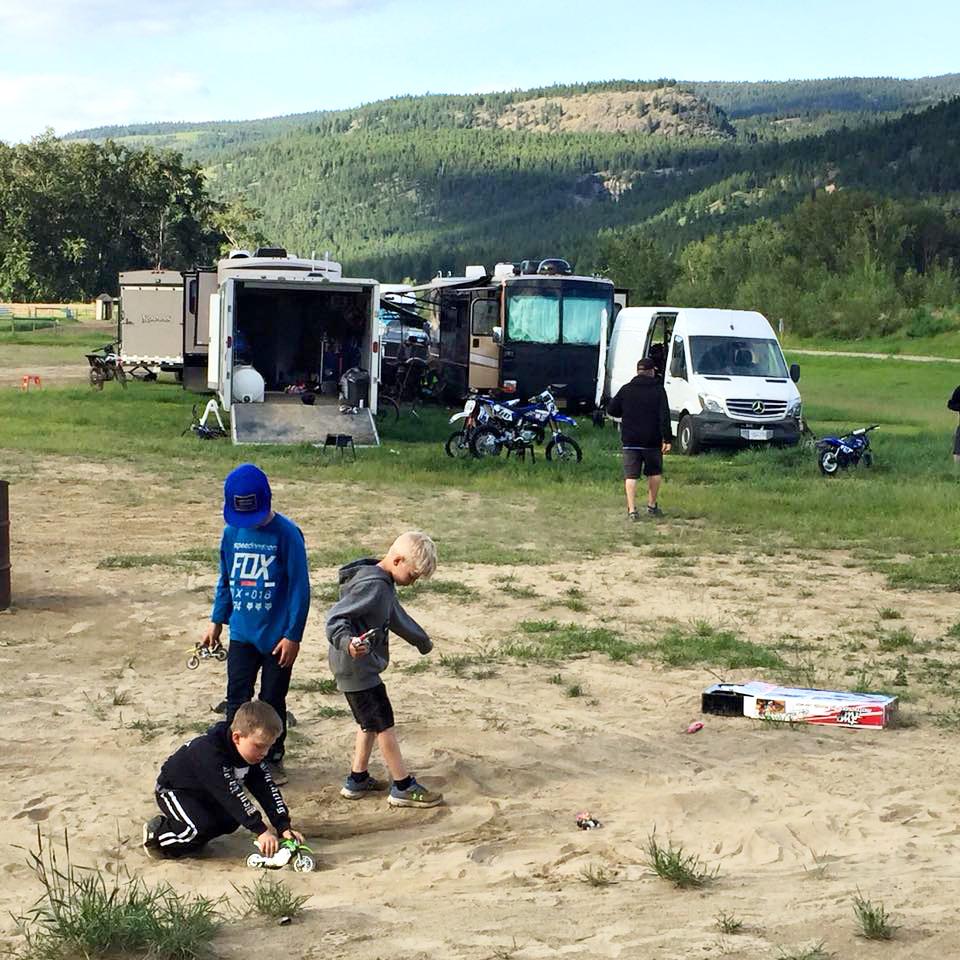 Camping-WhisperingPines-3.jpg