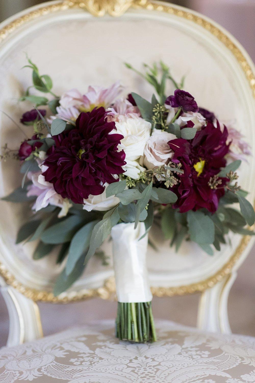 14Steph+Bouquet-min.jpg