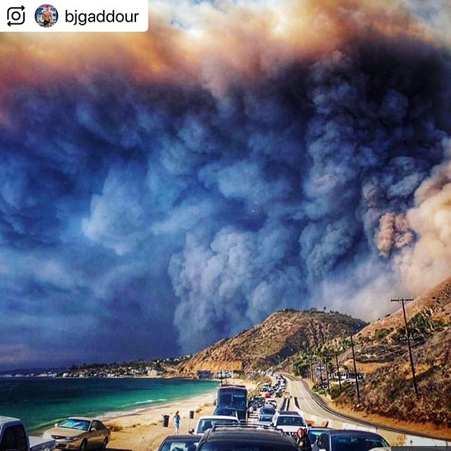 Pray for California and the families who have had to evacuate and those who've lost homes, businesses and loved ones 😔🙏🏻 #prayforcalifornia #socal #wildfire #woolseyfire #LA #lafire
