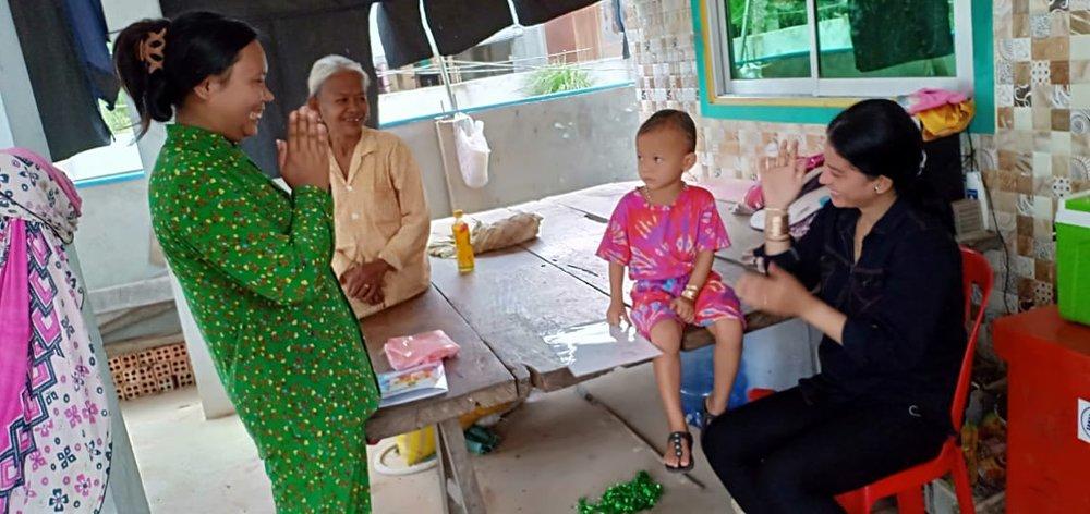 Paurn Village Based Preschool Teacher Tuy Sony. អ្នកគ្រូ ទុយ សូនី គ្រូមតេ្តយ្យសិក្សាសហគមន៌ភូមិ ពោន