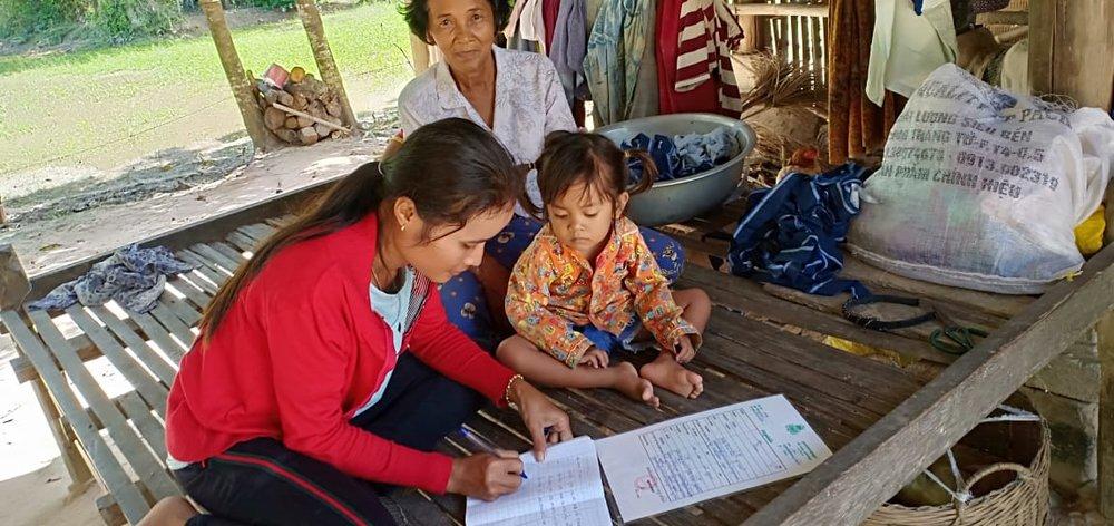 Trapeang Montrey Village Based Preschool Teacher Tuy Rumdoul. អ្នកគ្រូ ទុយ រុំដួល គ្រូមតេ្តយ្យសិក្សាសហគមន៌ភូមិ ត្រពាំងមន្ត្រី