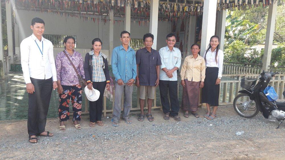 រូបថត៖ ក្រុមការងារអង្គការ ពិនិត្យទីតាំងភូមិត្រពាំងស្គន់  Photo: CCAFO Team visit Trapeang Skun Village