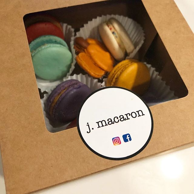 Back up and running in my new place! With tons of holidays and parties coming up a gift box of a dozen assorted macarons is a sweet treat to bring along!  #jmacaron #ashburn #macarons