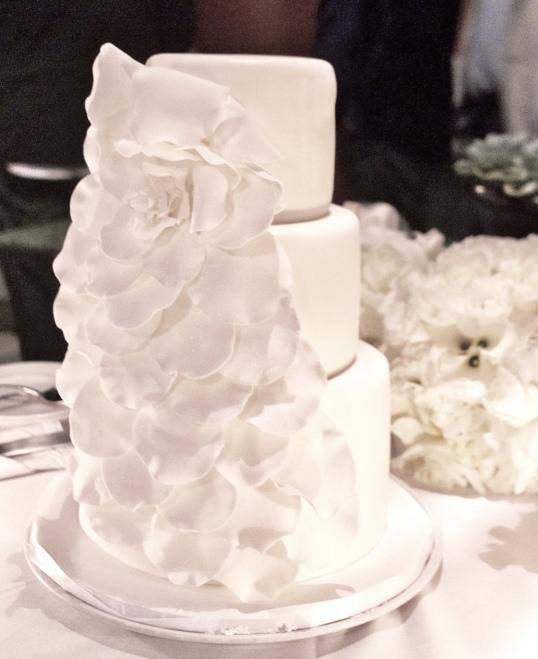 ASIA DE CUBA WEDDING CAKE.png