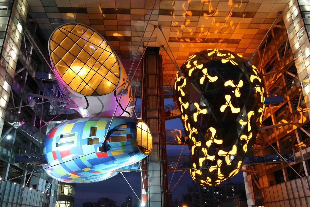Gao Yang, Shanghai Pods at night