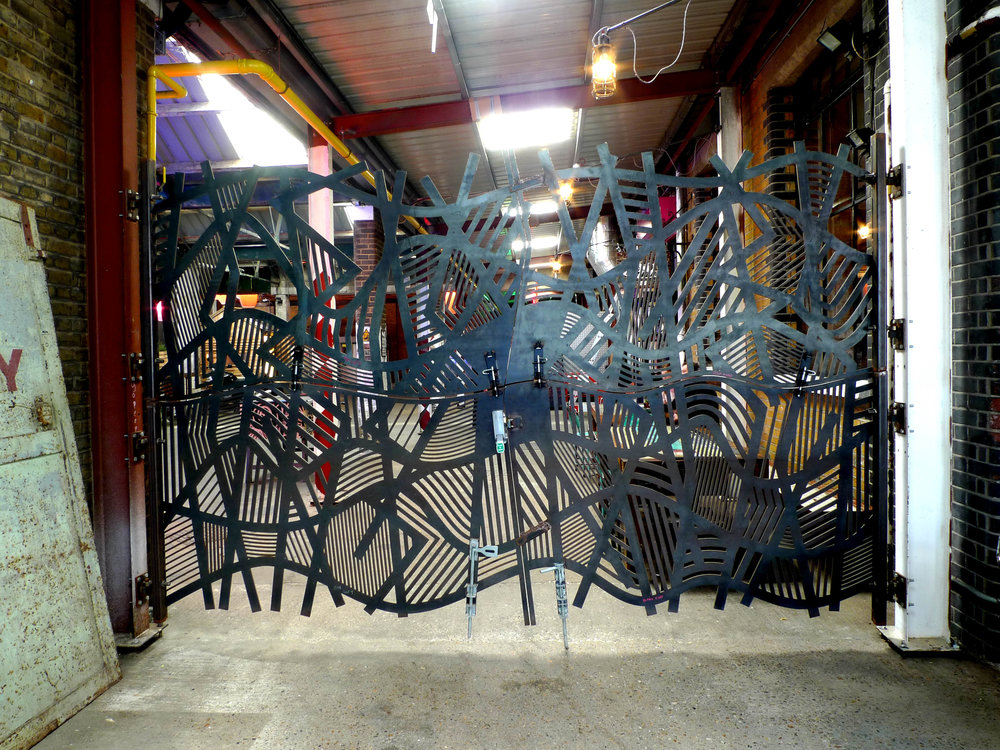 Doodle bar gate product design