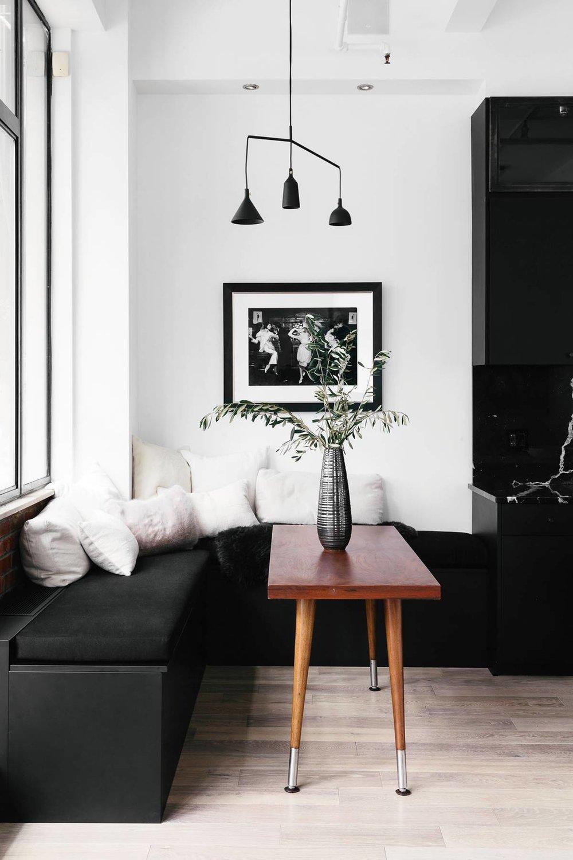 black-and-white-home-tour-265043-1533838405779-main.1200x0c.jpg