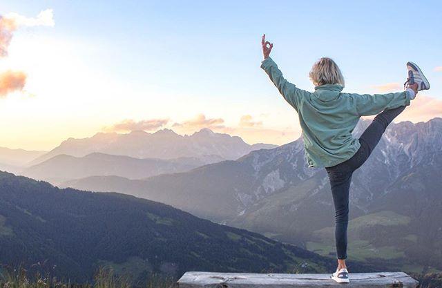 OH HAPPY YOGA DAY!  I'm inhaling the future!  Heute ist mein absoluter persönlicher Happy Day. Ich bin endlich mit dem Studium fertig und freue mich auf alles, was die nächsten Monate kommt🙌🏻🙋🏼♀️ #ohhappyday #yogaday2018