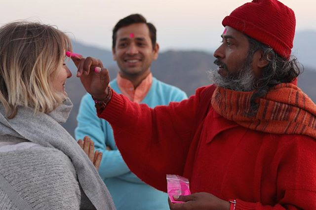 this Swami loves to give away chocolate. I felt so blessed by his beautiful smile from the heart and his wonderful presence. #choclateswami #swamis #swami
