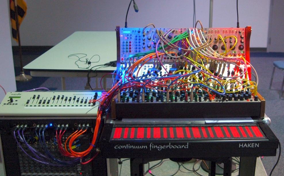 Voltage Converter Haken Audio