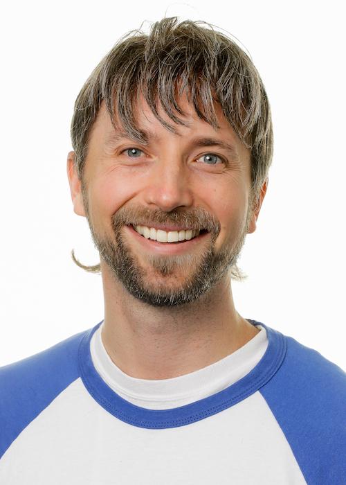 Josh Menning er ansvarlig for TeamINDIA-linjen. Ønsker man mere information eller har man spørgsmål vedrørende TeamINDIA kan man kontakte Josh på  jm@skovboefterskole.dk .