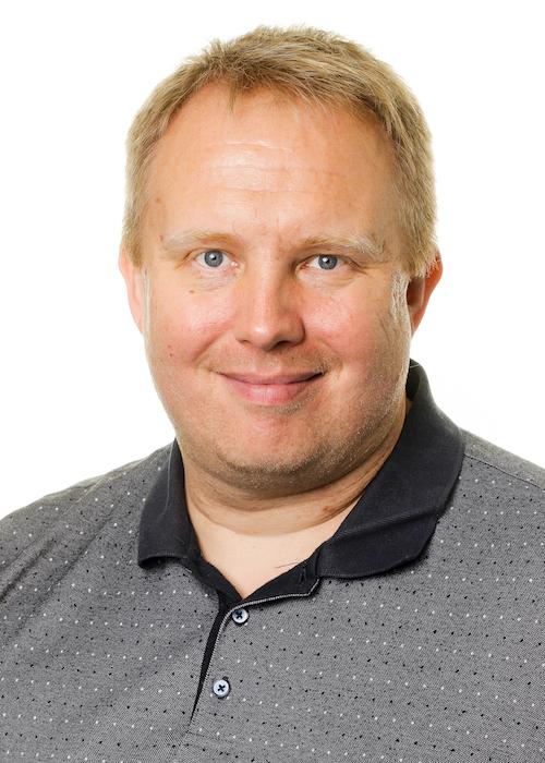 Claus Møller Bæk er ansvarlig for Skovbos TeamDIVING-linje. Henvendelse vedrørende TeamDIVING kan ske på  cb@skovboefterskole.d