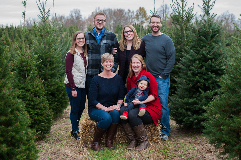 Large Family Portraits$200 -