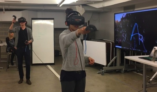 VR at the Garage - Reality Bytes, a company whose goal is to spread awareness and knowledge of the many uses of virtual and augmented reality, came to Northwestern to talk to students. They also provided trials of different VR games and programs.