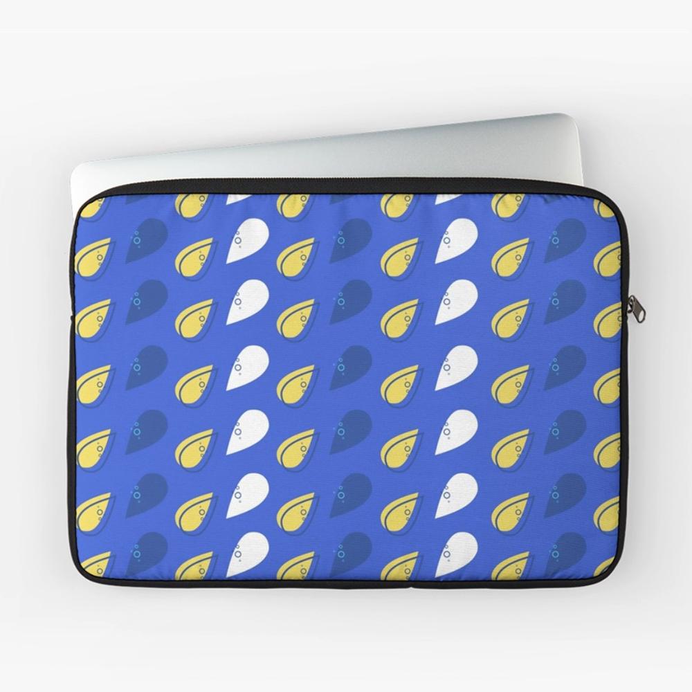 TearDrop_Laptop_Cases_onblue.jpg