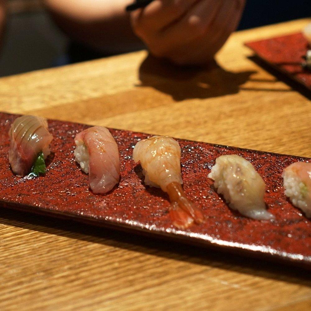Super-Hiro's-Omakase-Sushi-Lineup.jpg