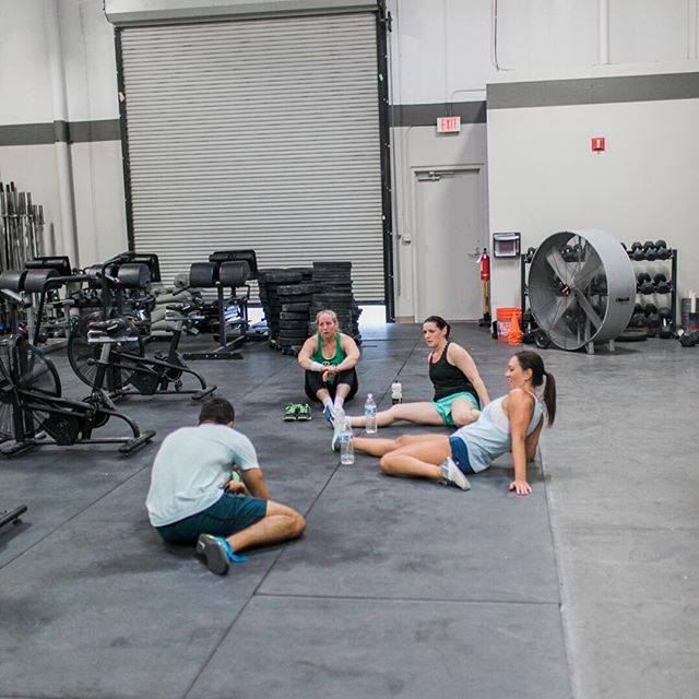 • The best part of the hour is usually the conversations that happen after it 😉 •  #goodvibesonly #mindbodyperformance #performancecoach #playfullout #selfmastery #lasvegascrossfit #vegascrossfit #vegasfitness #lasvegasfitness #vegasfit #welovevegas #vegasfitfam #mindset #communityofchampions #getyourmindright