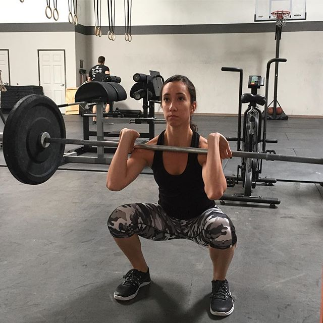 ⠀⠀⠀⠀⠀⠀⠀⠀⠀ Training with Intention ⠀⠀⠀⠀⠀⠀⠀⠀⠀ @jazminnmarie is laser focused on executing the best possible front squat that she can.  It's important to her that she demonstrates quality movements so she can continue to get better...to get stronger...to be healthy and fit.  She doesn't come here to exercise...she comes here to train 💪😎 ⠀⠀⠀⠀⠀⠀⠀⠀⠀ #goodvibesonly #liveyourbestlife #mindbodyperformance #performancecoach #playfullout #selfmastery #lasvegascrossfit #vegascrossfit #vegasfitness #lasvegasfitness #vegasfit #welovevegas #vegasfitfam #mindset #communityofchampions