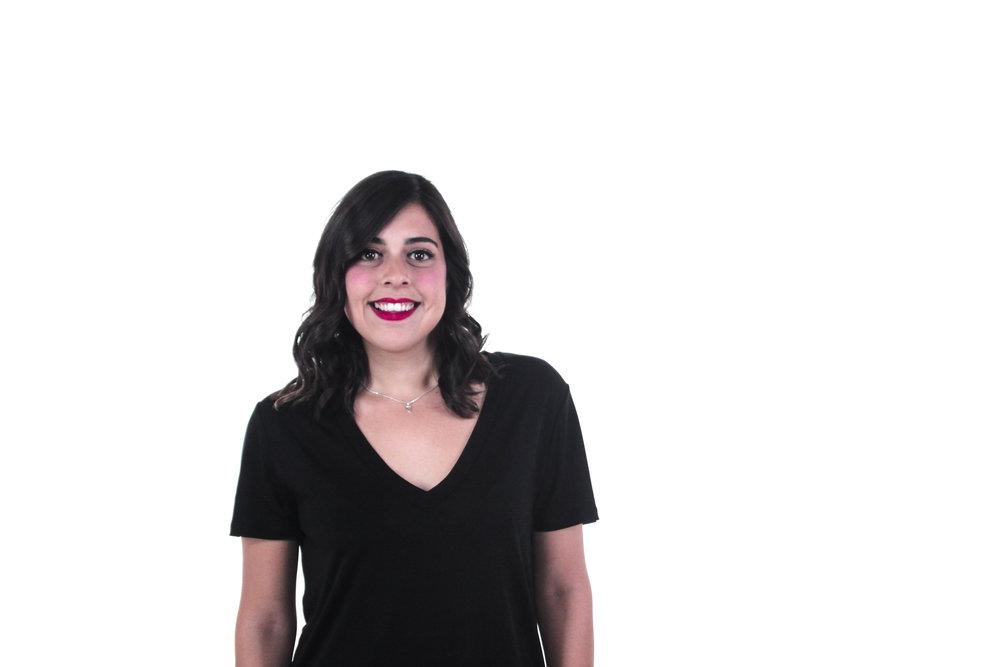 Alejandra Barba   Aunque las personas afirman que lo único que buscan en la vida es ser felices, no están conscientes de que requiere esfuerzo diario y trabajo continuo. Alejandra, consultora de desarrollo organizacional y profesora de psicología positiva, nos explicará a través de su experiencia como crear nuestra propia filosofía de vida y te ayudará a aceptar la idea de que para ser feliz ¡hay que trabajar!