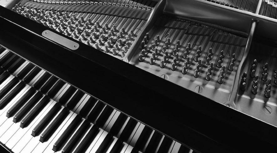 Grand-Piano-Full-Size-e1527557746282.jpg