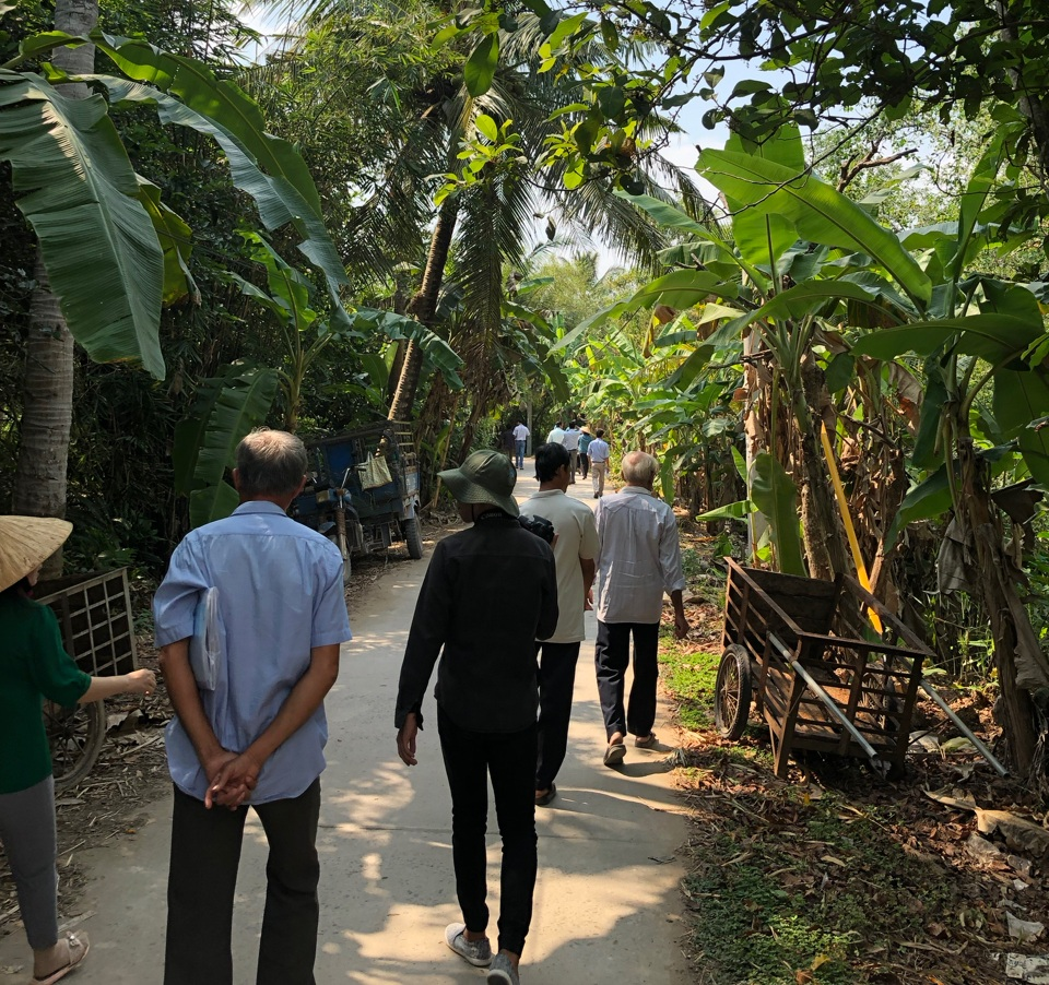 a transect walk with local residents in ben tre province, vietnam.