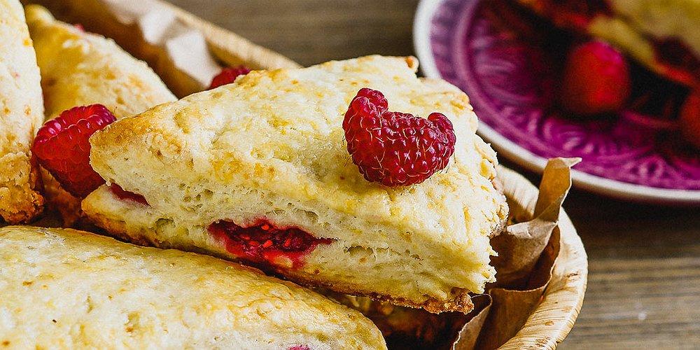 raspberry scone.jpg