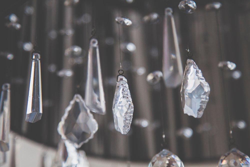 chandelier-clean-clear-905690.jpg