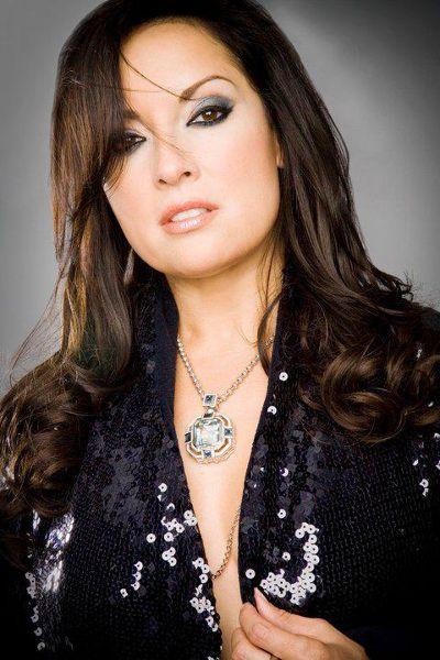 Margo Rey Headshot.jpg