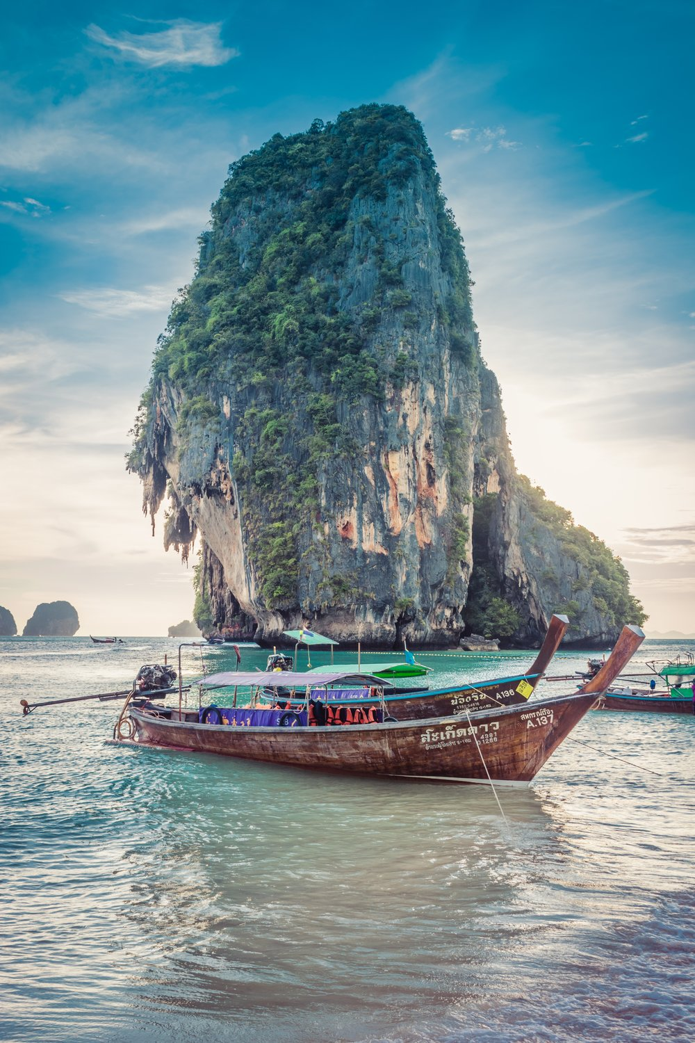 Thailand, Phang Nga Bay - Most of the islands are uninhabited. Many of them have spectacular caves which you can only reach by an inflatable kayak.