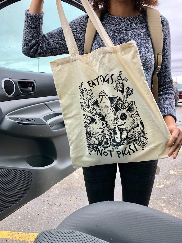 They are comfortable to carry, and stylish. Your animal lover friend would love this thoughtful gift to show off their love for an animal cruelty free style. They wild also appreciate the fact that you are kind enough to think about their stand on being cruelty free and an animal lover.