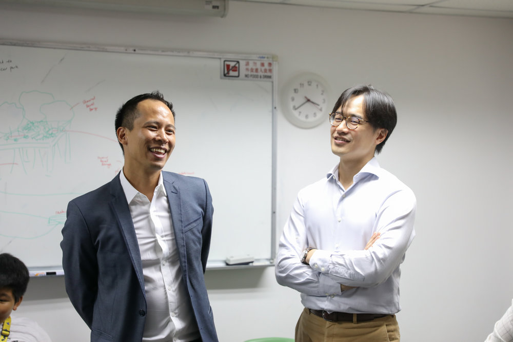 Vincent Ng, DIrector of 1PLUS1 with Eugene Wong, Director of Posang Capital at the student sharing. The sharing session is informal and conducive to dialogue between students, panel and media