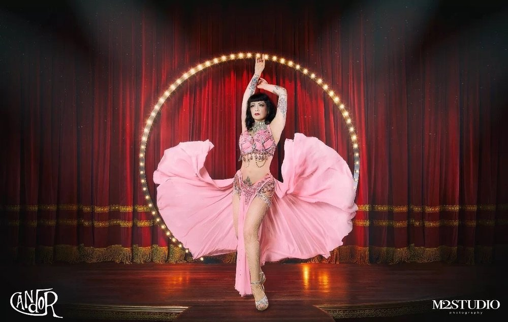 The showgirl -