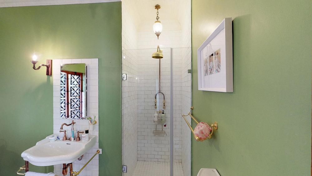 Melville Green shower.jpg