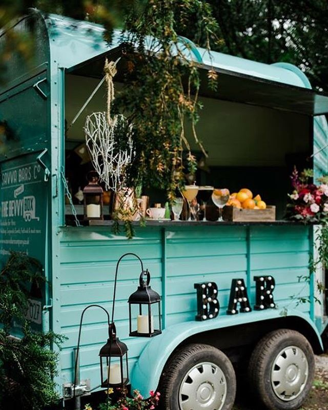 Betty the bevvy box in all her glory!! • • • Did you know we can use our first class waiting staff, bartenders and mixologists for private parties & corporate events? Let us do the hard work whilst you relax and watch your event unfold.  #weddings #corporate #henparties #bartenders #alcohol #bar #private #waitress #waiter #horsebox #portableBar #barntgreen #worcstershire #bromsgrove  #alvechurch #worcster #bromsgrove  #barntgreen #worcstershire  #birmingham #belbroughton