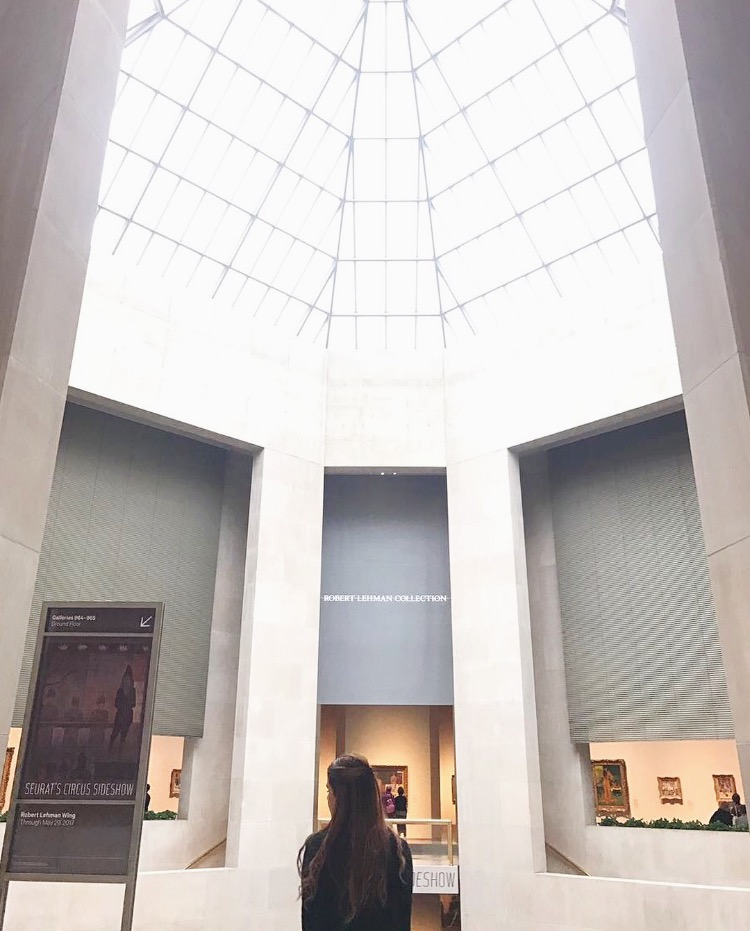Visiten museos -