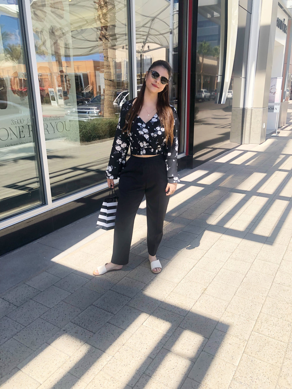 Blusa -  Pantalones  -  Zapatos