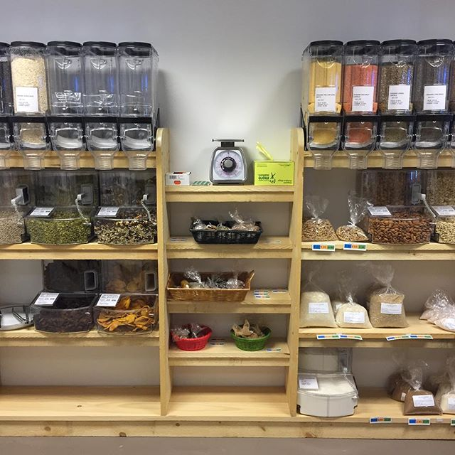 Hi folks, come check out our new bulk section! It's a #workinprogress but soon we'll have 30 bins plus 24 jars of dried fruit, nuts, beans, grains, and spices!  Buying in bulk saves you 💵💰💸 plus you can buy as much or as little as you like of your favorite @rolling_grocer_19 items. Right now we have beautiful Turkish apricots, dried mango slices, yummy @tierrafarm trail mix, and some other staples ready for you. We should be all set up in the next few days. #foodjustice #buyinbulk #hudson #weloveourcustomers #shoplocal #eatlocal #tierrafarm #columbiacountyny