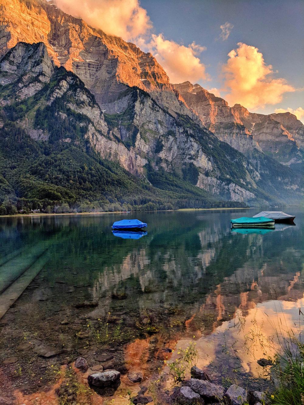 Mobile phone Klontalersee Switzerland.jpg