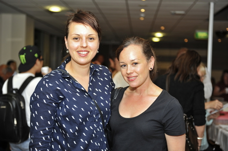 Ms. Tanja Vukasovic and her sister Ms. Mariya Saric. (Image: Epoch Times)