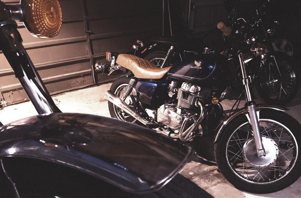 moto49_garage2.jpg