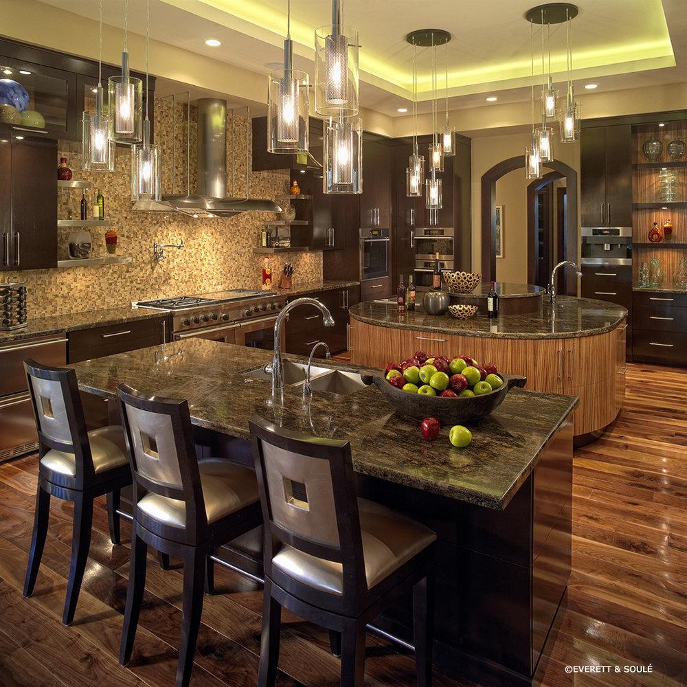 2105418-7 Kitchen.jpg